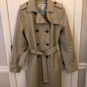 Liz Caliborne Trench Coat in Tan
